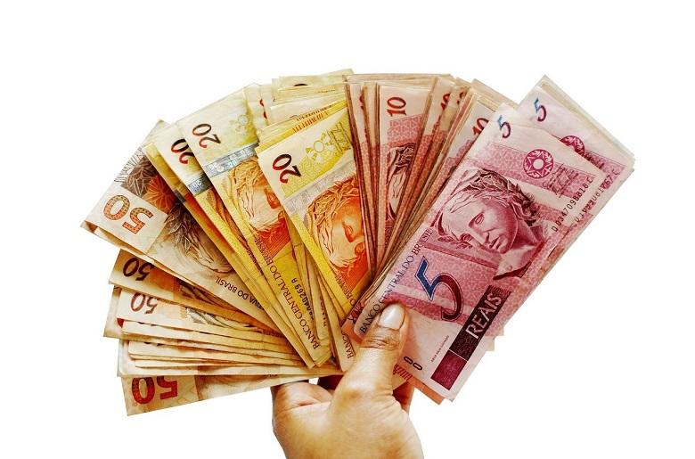 Economia: o dólar enfraqueceu em relação ao real