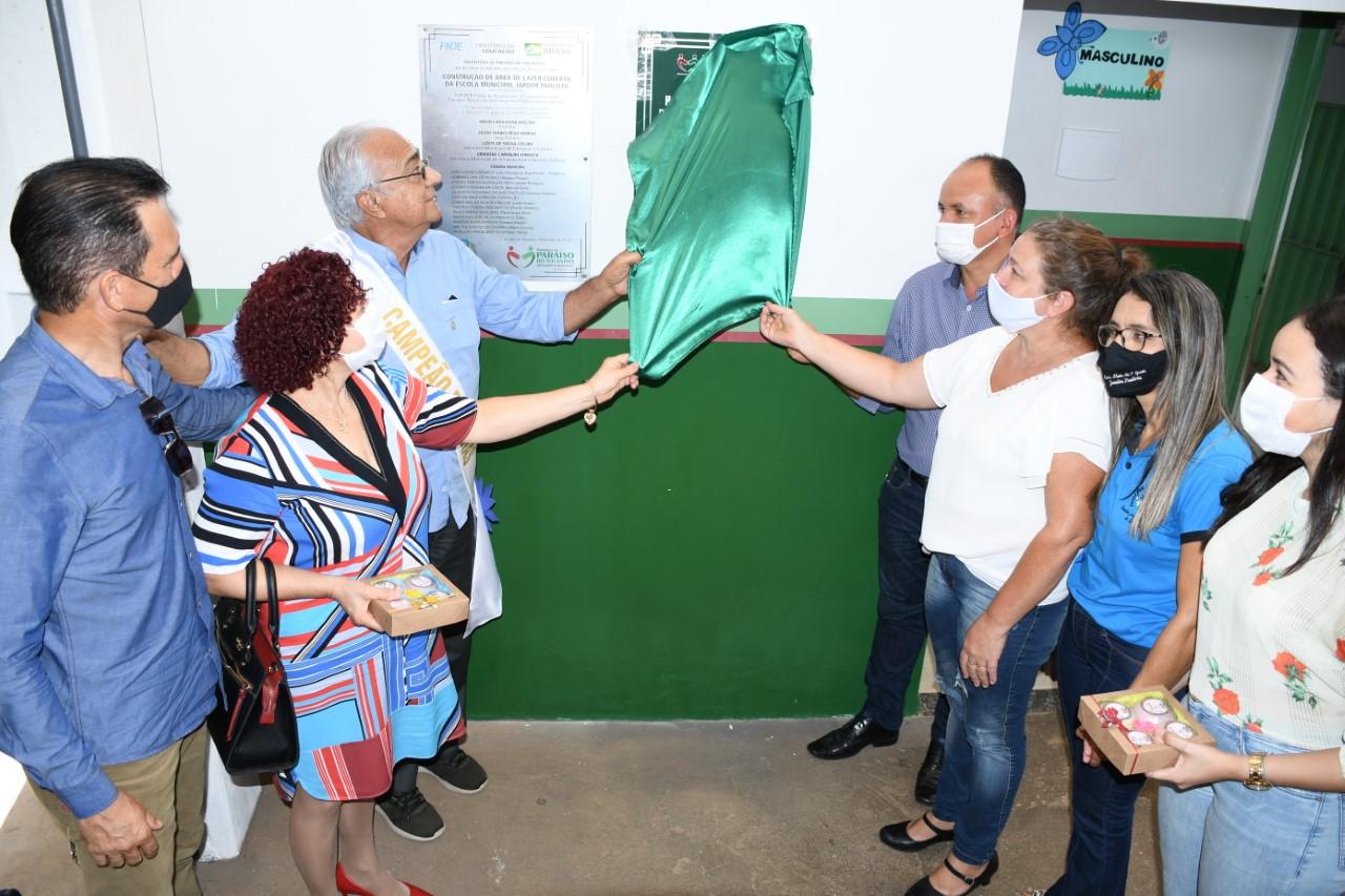 Prefeito Moisés Avelino entrega obras na Escola Municipal Jardim Paulista e emoção toma conta do público