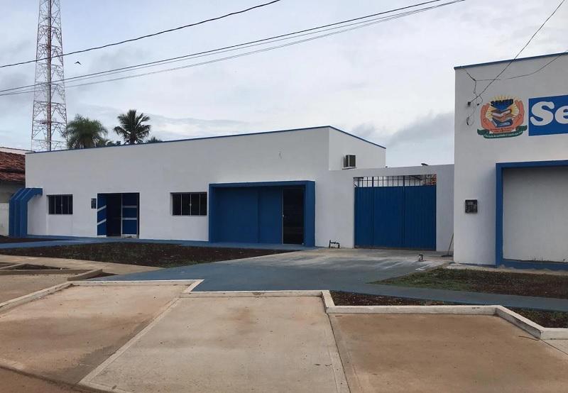 Anexo da Secretaria de Educação de Divinópolis recebe obras de reforma