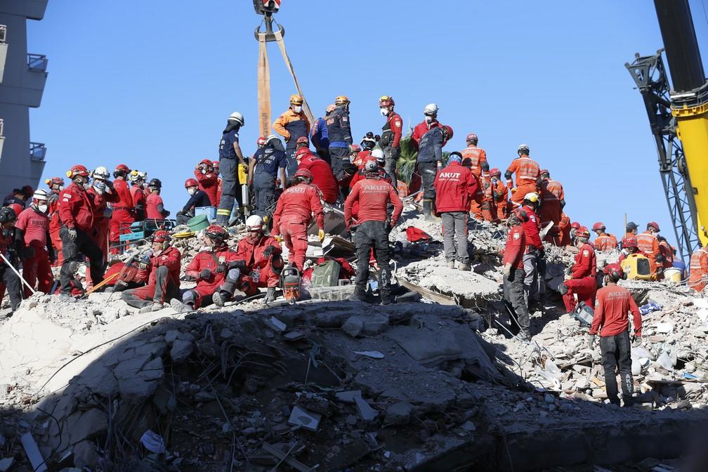 Sobe para 51 o número de mortos no terremoto na Turquia
