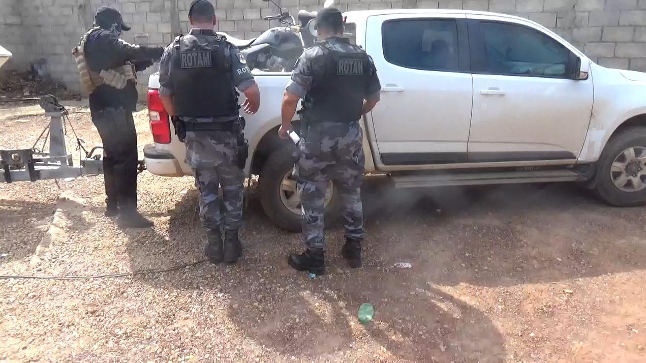 Em operação integrada contra tráfico de drogas, forças de segurança efetuam 14 prisões e apreendem drogas, veículo blindado, moto e até lancha