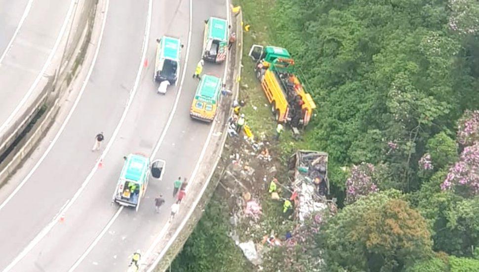 Após recontagem, PRF confirma 19 mortes em acidente na BR-376, no Paraná; veja vídeo