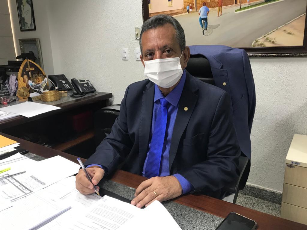 Antonio Andrade comemora chegada da vacina e pede para população manter os cuidados preventivos