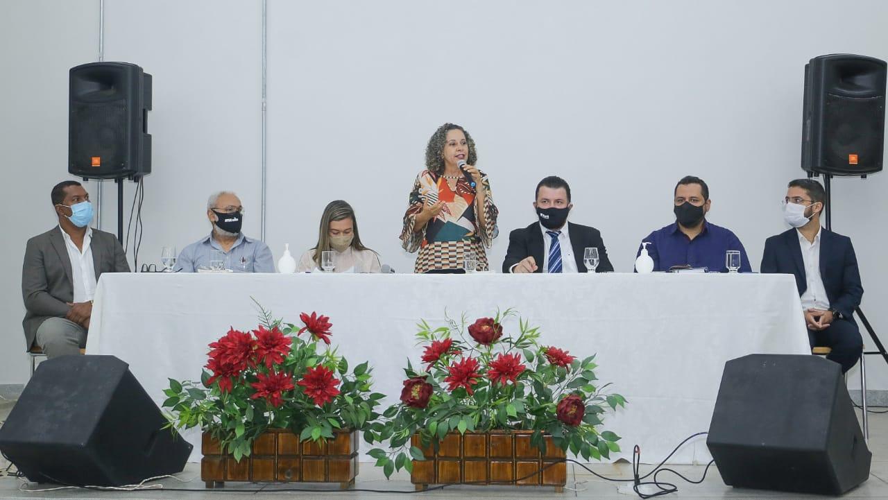 Prefeita Josi Nunes participa da apresentação oficial do novo presidente da Fundação UnirG