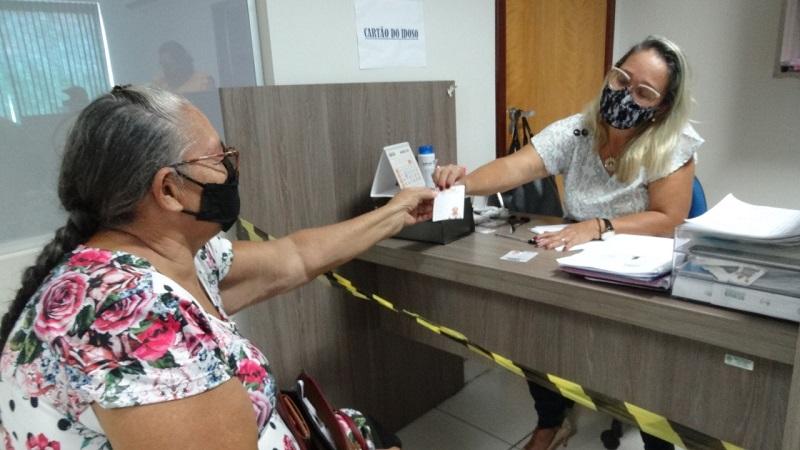 Cartão que dá direito ao idoso viajar gratuitamente já está disponível na Secretaria de Assistência Social em Paraíso-TO