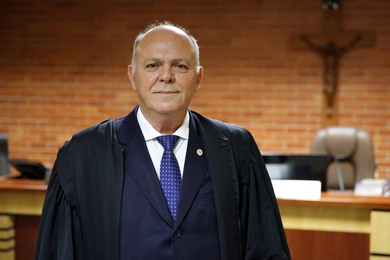 Presidente do TJTO é transferido para UTI em São Paulo para tratar covid-19