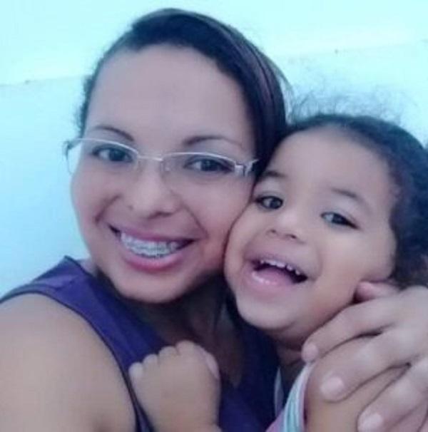 Mãe mata filha e mastiga os órgãos da menina, em PE