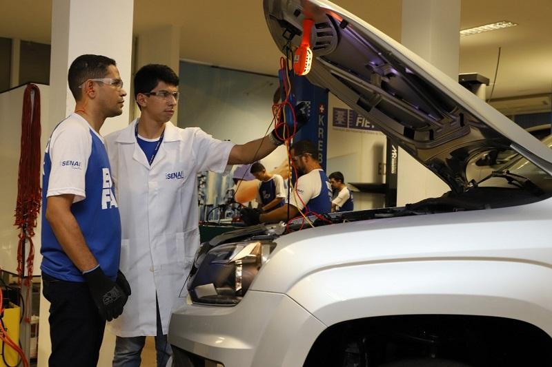 SENAI seleciona instrutores das áreas de Metalmecânica, TI e Automotiva em três municípios