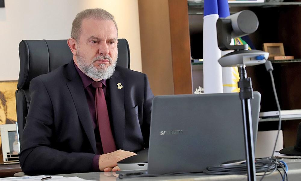 Governador Carlesse debate com comitê de crise medidas para ampliar proteção da população