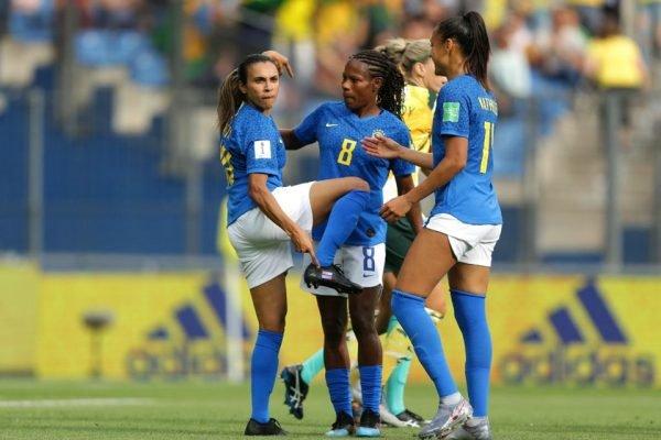 Dia do Futebol Feminino vira lei e homenageia Marta