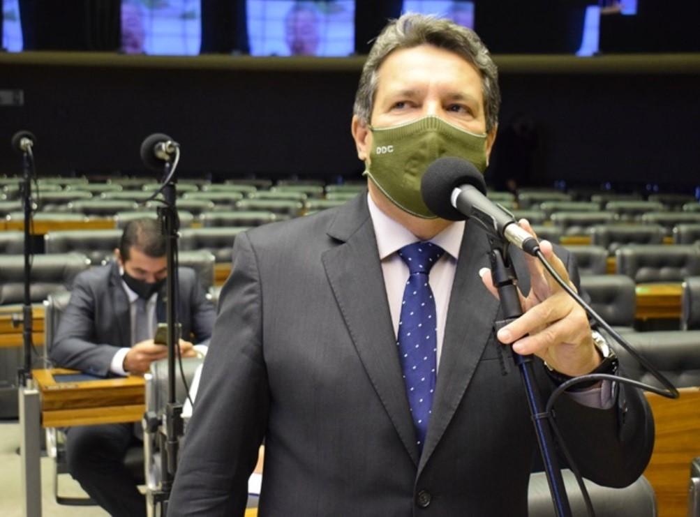 Damaso vota projetos de combate à pandemia da Covid-19
