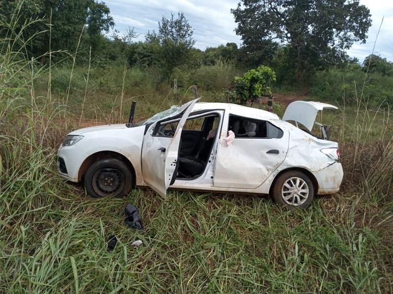 Bombeiros militares tentam reanimar vítima de acidente na TO-080 em Paraíso