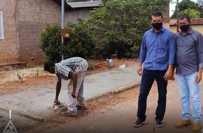 Prefeito Isaias Piagem visita obras de calçamento de ruas e avenidas de Marianópolis