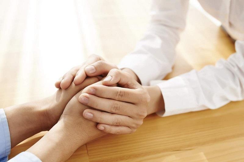 81% dos brasileiros mantêm ou já tiveram contato com uma pessoa com câncer
