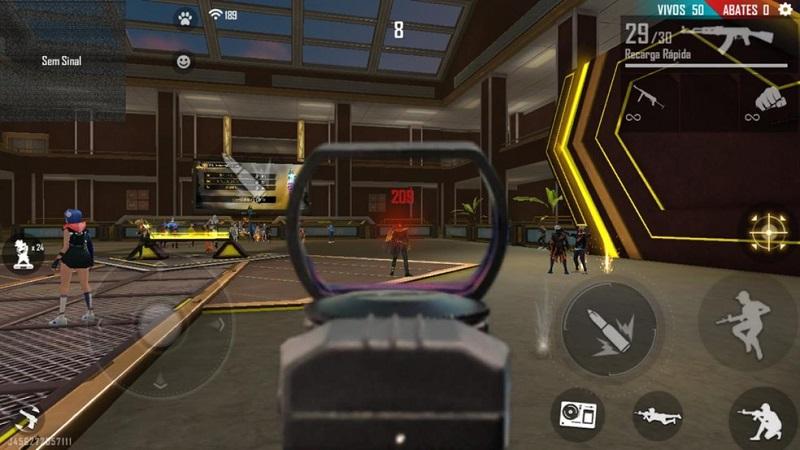 Free Fire bane 1,3 mi de jogadores definitivamente por uso de hacks