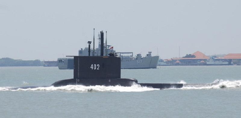 Marinha da Indonésia divulga fotos de submarino que naufragou