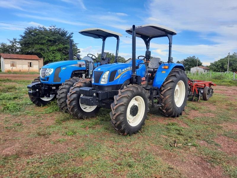 Prefeitura de Santa Rita entrega tratores aos assentamentos São Judas, Lago Verde e planeja a compra de mais maquinários