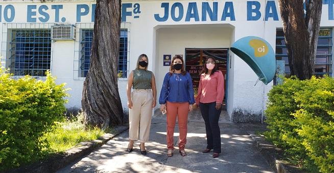 Adriana Aguiar acompanha andamento de obras e anuncia reforma de unidade de ensino na Regional de Arraias