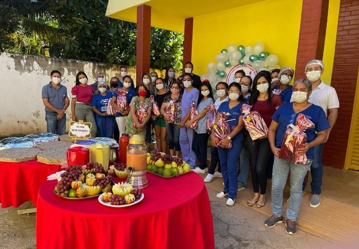 Prefeitura de Barrolândia homenageia profissionais da enfermagem pelo seu dia