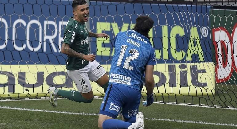 Palmeiras vence o Corinthians e vai à final do Paulista