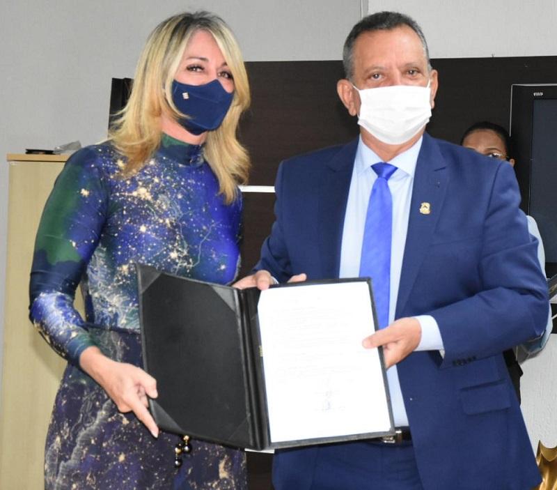 Antonio Andrade assina Termo de Cooperação com Defensoria e anuncia ampliação do sinal da TV Assembleia