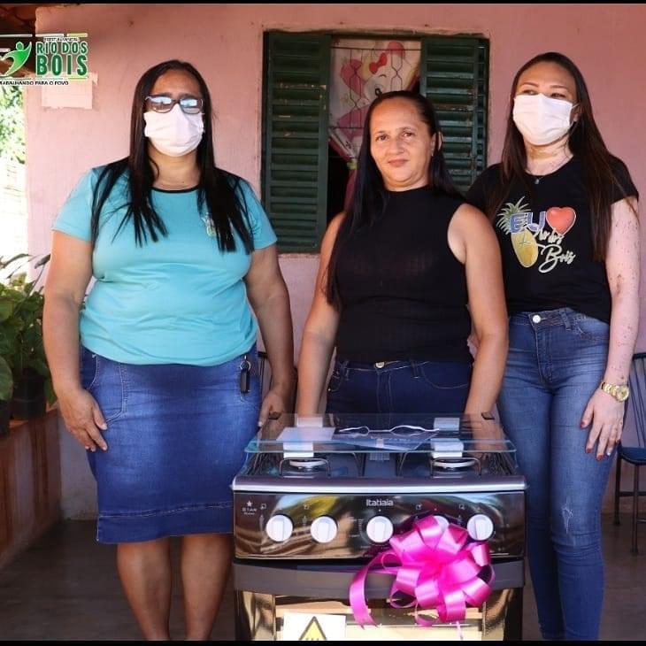 Mães do Setor Jabaquara recebem prêmios sorteados pela Prefeitura de Rio dos Bois
