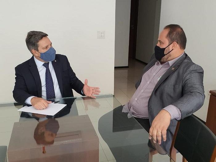 Marquinhos busca recursos para Araguacema junto à bancada federal