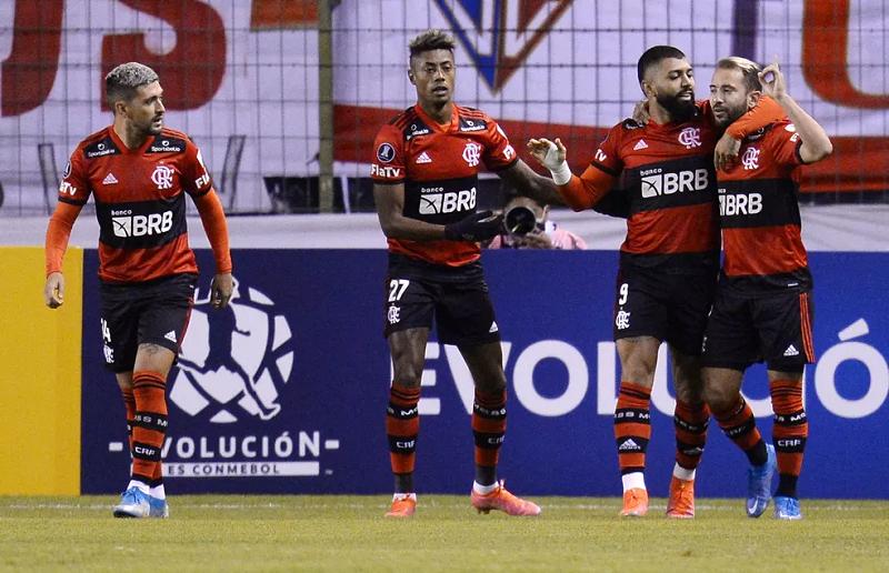 Flamengo supera altitude e dispara na Libertadores