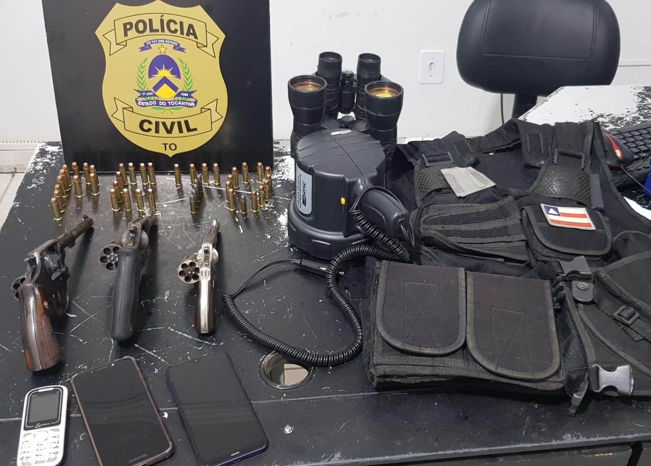 Polícia Civil prende três suspeitos armados que tentavam impedir passagem em estrada rural de Rio da Conceição