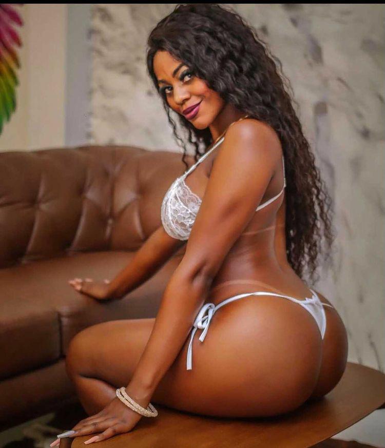 Musa Fitness Raquel Sampaio bomba nas redes sociais com corpo escultural