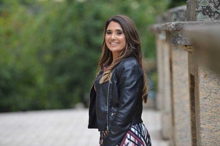 """Danielle Cristina apresenta """"Nunca Perdeu Batalha"""", composição em parceria com Samuel Messias"""