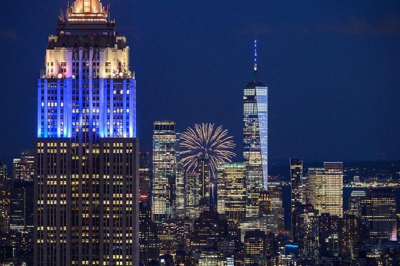 Nova York festeja com fogos o fim de medidas restritivas contra Covid-19