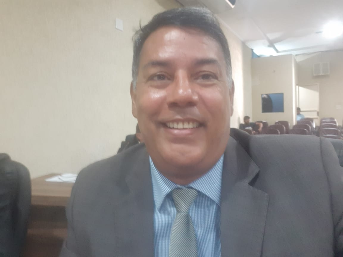 Vereador lembra que recapeamento da Avenida Pedro Ludovico, em Colinas, é fruto do trabalho do ex-prefeito Adriano Rabelo