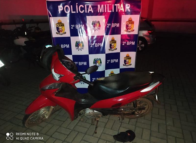 Homem suspeito de roubo é preso e veículo recuperado pela PM Araguaína