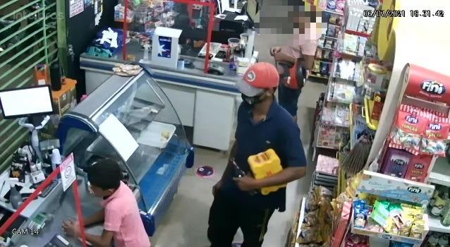 Câmeras de segurança flagram roubo em mini mercado de Paraíso TO