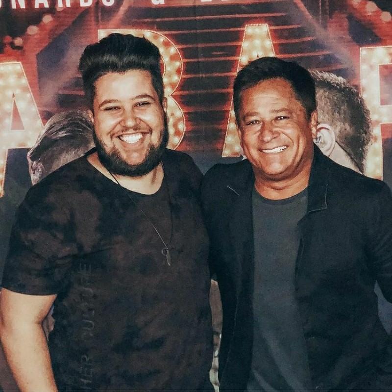 Leandro Colhado relembra TBT com o cantor Leonardo nas redes sociais