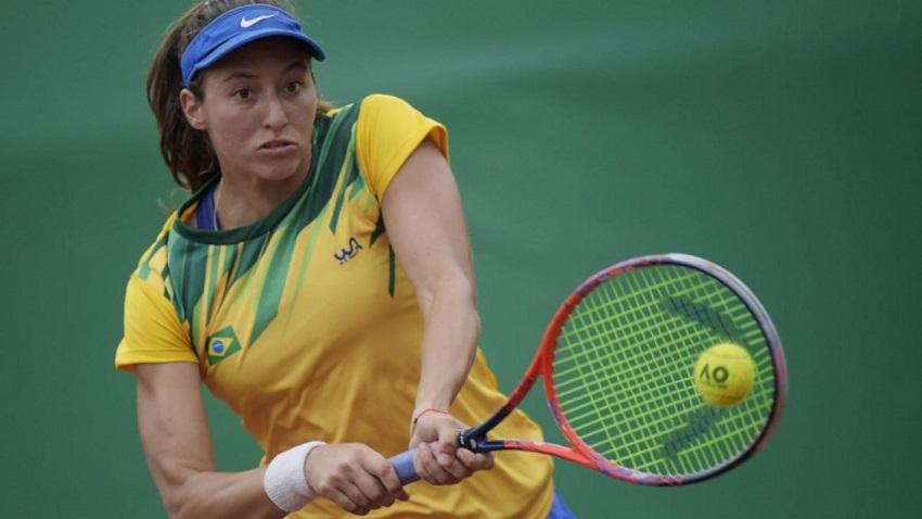 Luisa Stefani se despede de torneio de tênis Wimbledon