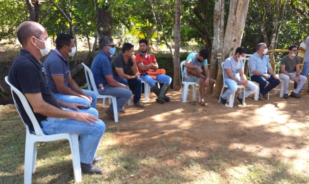 Prefeitura de Lajeado realiza reunião com produtores de peixe da comunidade Pedreira