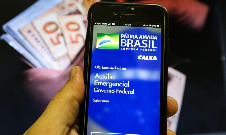 Caixa paga hoje auxílio emergencial a nascidos em abril e maio