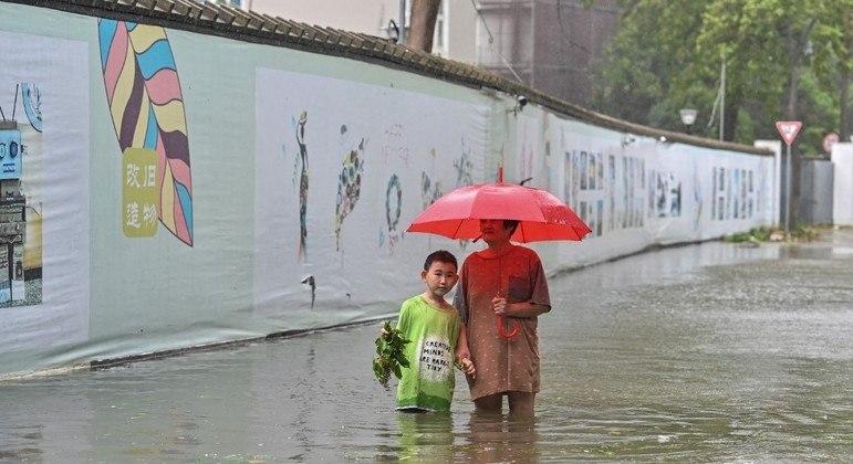 Centro da China volta a ser atingido por chuvas torrenciais