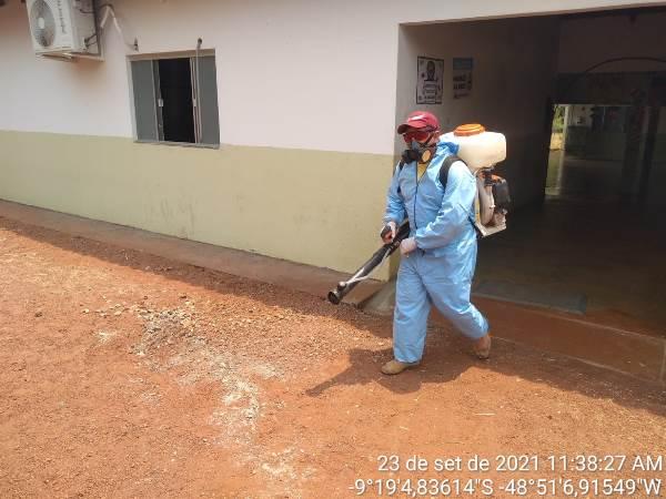 Brigada Ambiental de Dois Irmãos realiza desinfecção de escola da zona rural