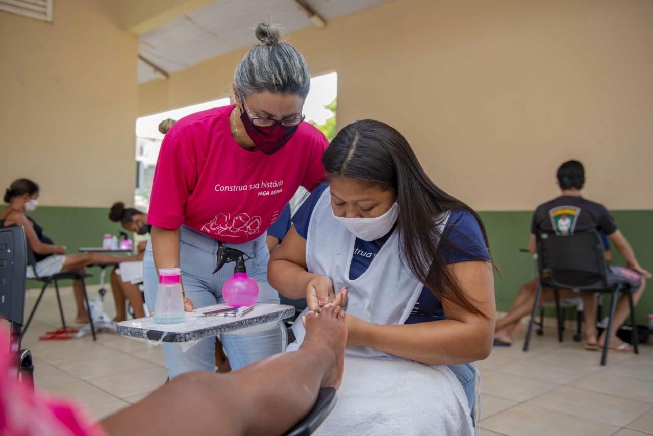 Projeto social promove capacitações a moradores de unidades habitacionais entregues em Palmas