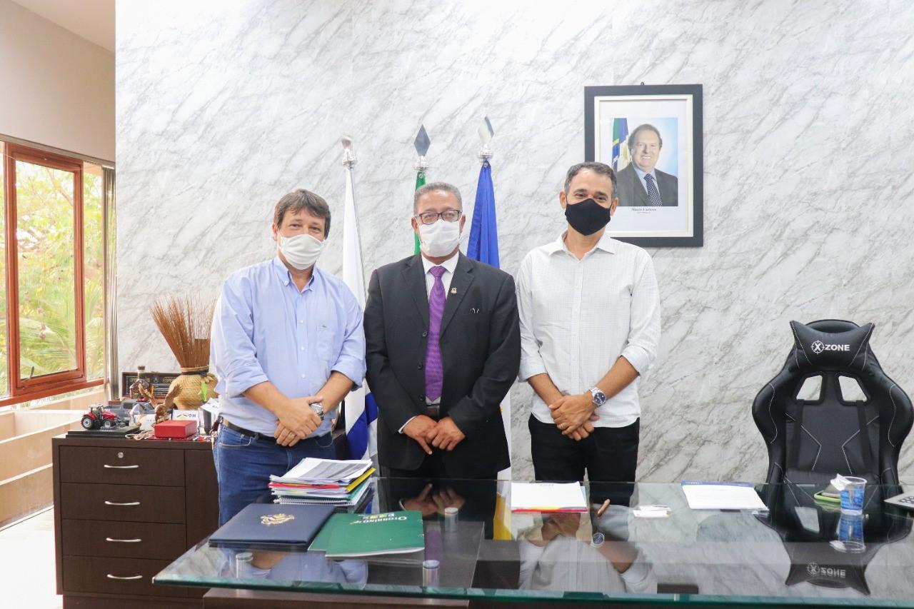Secretário Tom Lyra e Presidente da CDL Palmas, Silvan Portilho, se reúnem para debater estratégias de recuperação de crédito na capital
