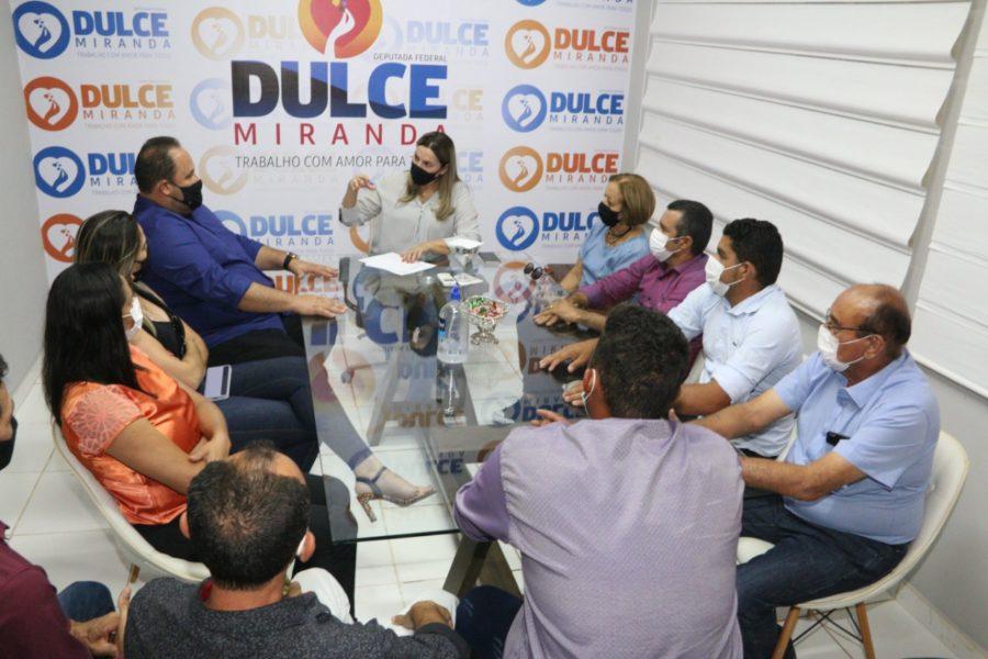 Dulce Miranda garante reforma do hospital de Araguacema