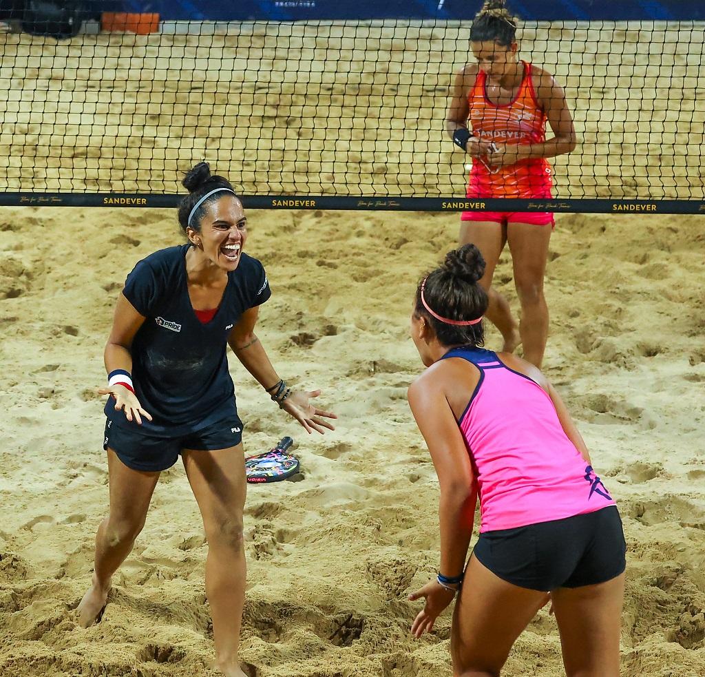 Dupla brasileira surpreende as principais favoritas e decide título do Beach Tennis em Brasília (DF)