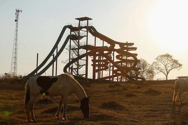 Conheça o mistério por trás de parque aquático fantasma em Goiânia-GO