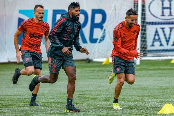 Brasileirão: Fluminense e Flamengo disputam clássico no Maracanã