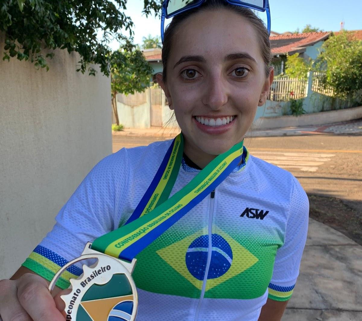 Giugiu Morgen vence Campeonato Brasileiro de Ciclismo de Estrada