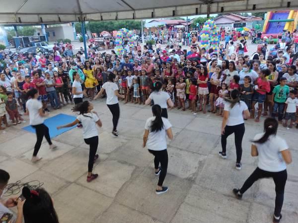 Prefeitura de Rio dos Bois promove tarde de brincadeiras em comemoração ao Dia da Criança