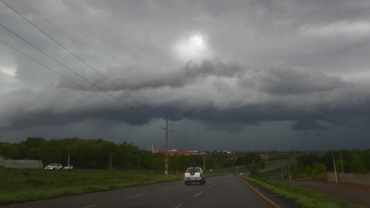 Chuva de granizo atinge diferentes localidades de Palmas
